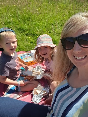tash hughes founder of rubba-bubba with her family