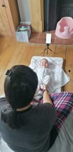 baby poking pregnant mums tummy